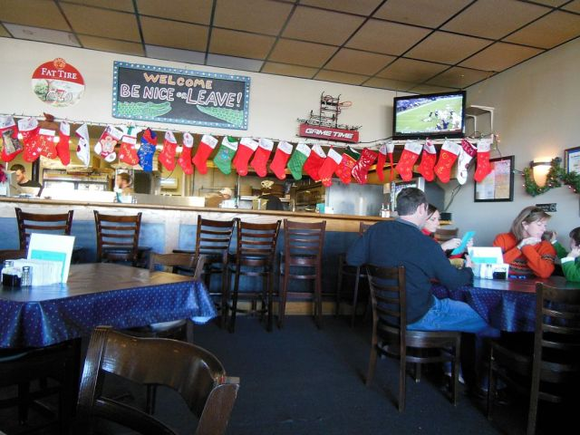 Memphis Pizza Cafe inside- RESIZE