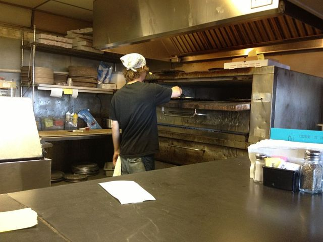 Memphis Pizza Cafe oven- RESIZE