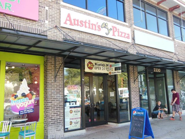 Austins Pizza outside - RESIZE
