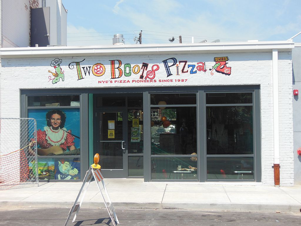 Astounding Two Boots Pizzeria Nashville Welcomes Colorful Chains Download Free Architecture Designs Xoliawazosbritishbridgeorg