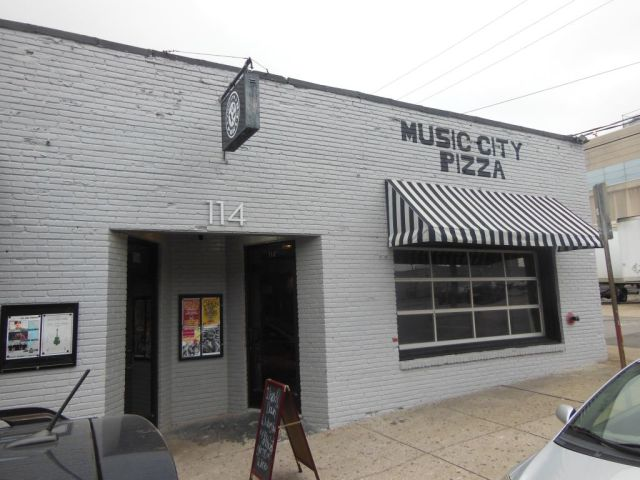 Music City Pizza outside - RESIZE