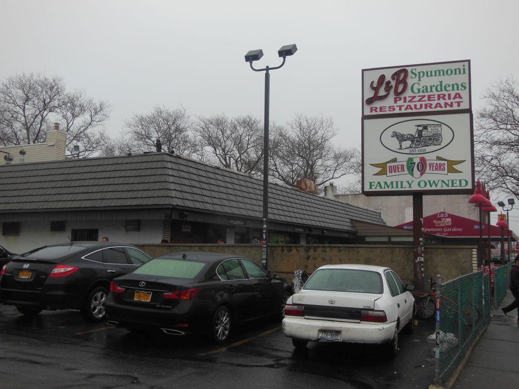 L B Spumoni Gardens A Fabulous Pizza Factory In Brooklyn