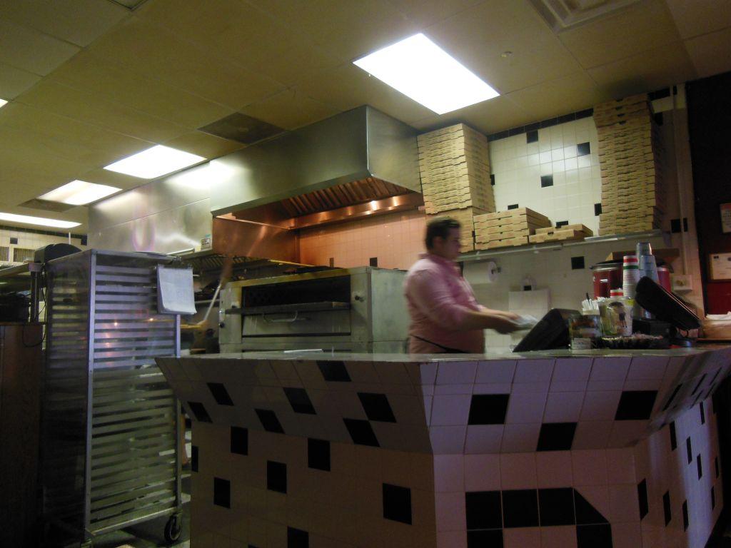 Dazzo's Pizzeria—Good New York Style Pie In Knoxville