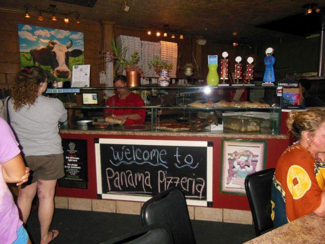 Panama Pizzeria - inside - RESIZE