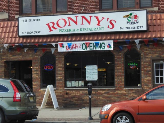 Ronnys - outside - RESIZE