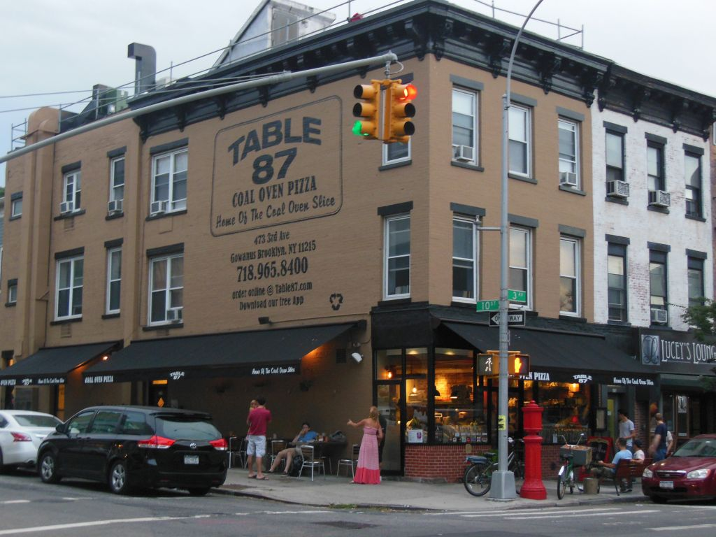 brooklyn s table 87 home of the coal oven slice makes its