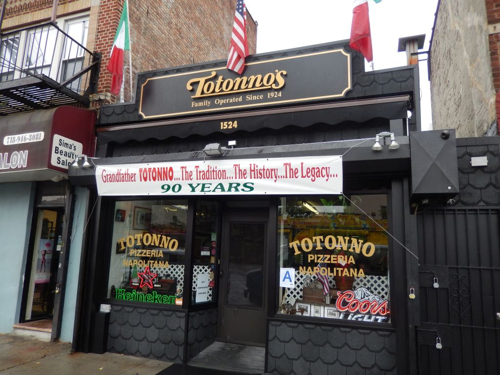 Coney Island S Legendary Totonno S Pizzeria As Long As
