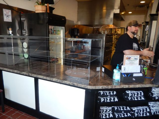 Brooklyn Brothers Pizza - counter - RESIZE