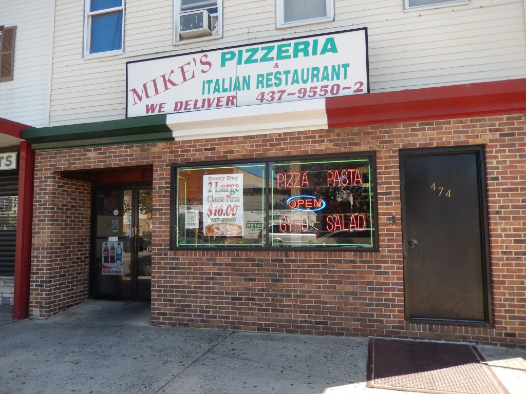 Mike s pizzeria in bayonne nj a great name and a great for Pizza pizzeria