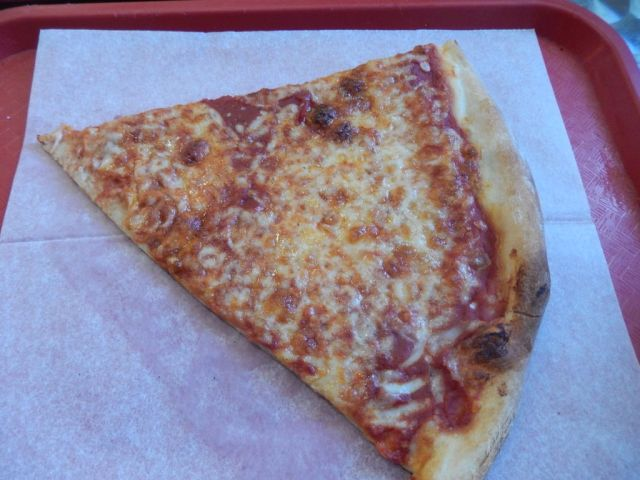 Puccis Pizza - slice - RESIZE