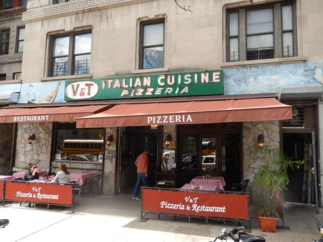 V & T Pizza - outside - RESIZE