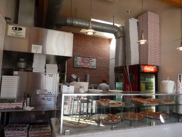 Joe's Pizza - counter - RESIZE