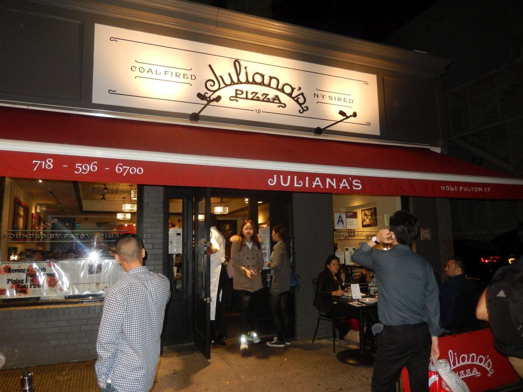 juliana u2019s pizza in brooklyn u2013yep  it u2019s the real deal