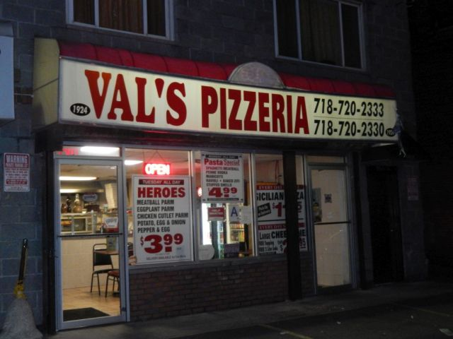 Vals Pizzeria - outside - RESIZE