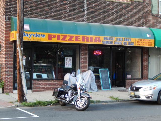 bayview-pizzeria-outside-resize