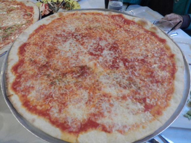 Bayonne Patio Bar & Grille -pizza - RESIZE
