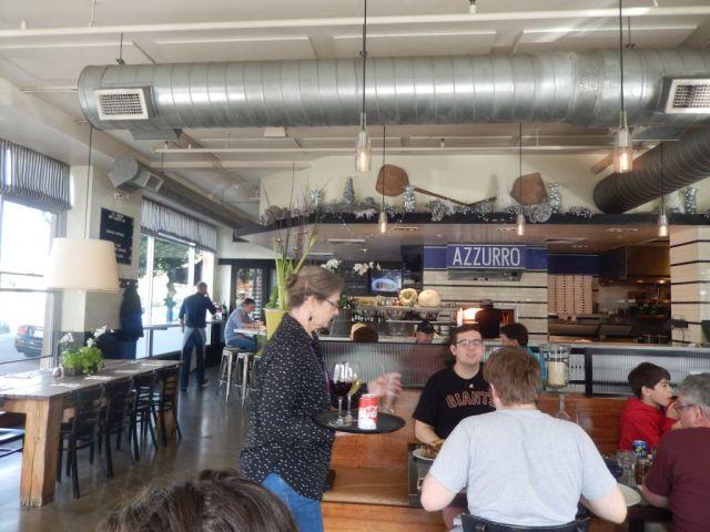 Azzurro Pizzeria - inside - RESIZE
