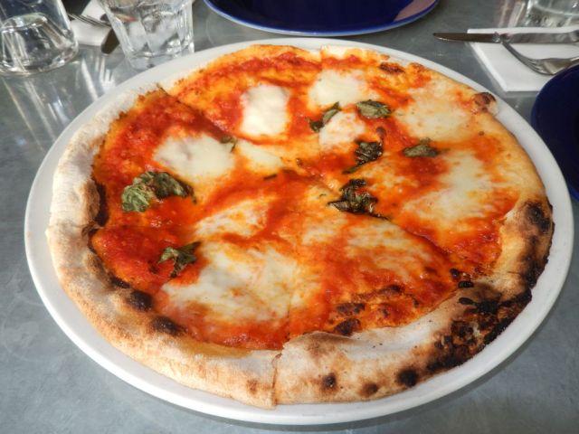 Azzurro Pizzeria - pie - RESIZE