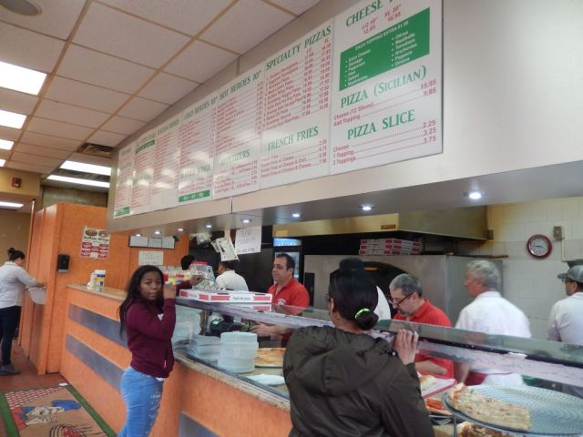 Broadway Pizza - inside - RESIZE