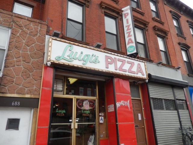 Luigis Pizza - outside - RESIZE