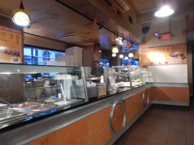 Pizza Mercato - inside - RESIZE