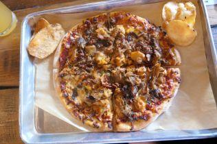 Tuttas - meat pizza - RESIZE