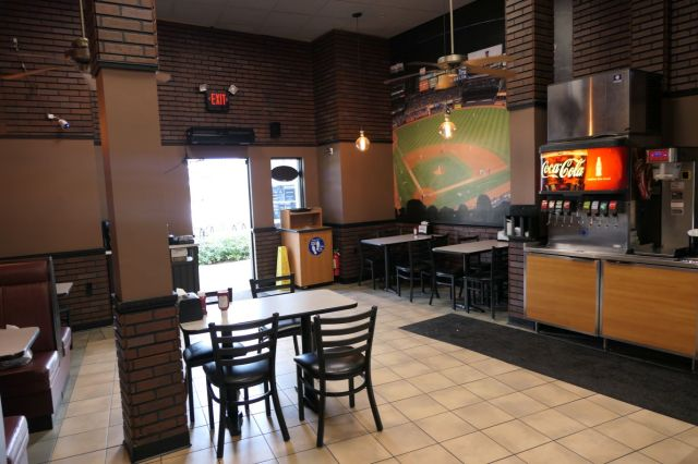 New York Pizza & Grill - inside2 - RESIZE