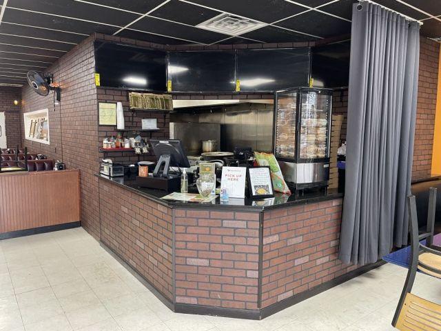 Brooklyn Pizza & Cafe - inside1 - RESIZE